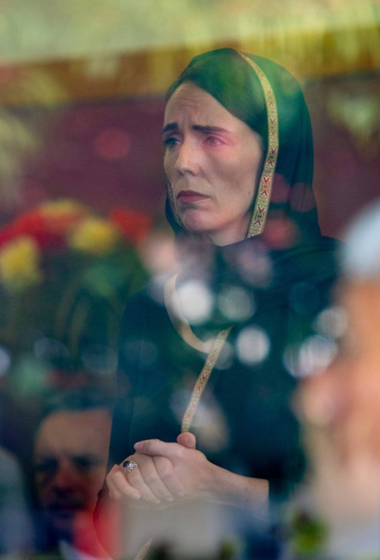 Christchurch-Jacinda-Ardern-headscarf
